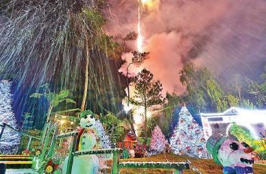 Christmas Village Baguio.Pressreader Manila Bulletin 2015 11 18 Baguio Country