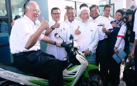 Image result for najib thumbs up
