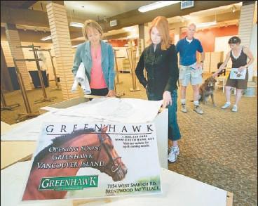 PressReader - Times Colonist: 2006-08-17 - Greenhawk rides