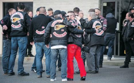 PressReader - Pam_Lasman Channel - Bikers gather to mourn