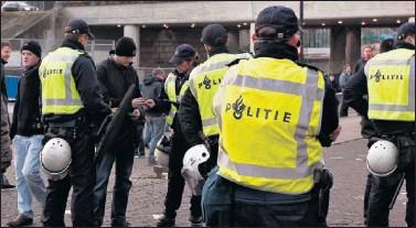 Resultado de imagen de amenaza terrorista para la Eurocopa de Holanda